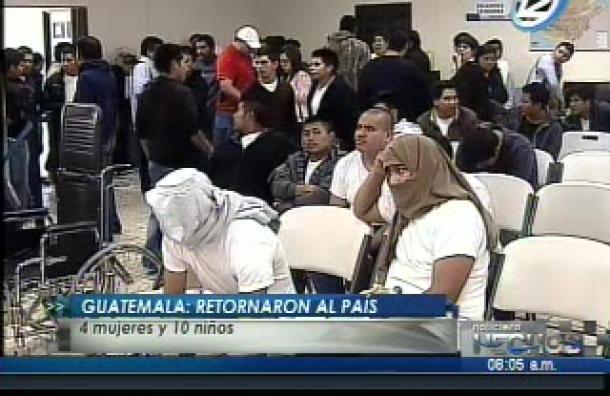 A Guatemala retornaron 4 mujeres y 10 niños como parte de las redadas de inmigrantes