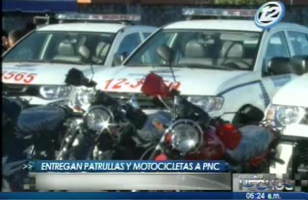 Entregan patrullas y motocicletas a la PNC