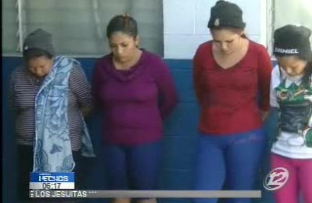 Cuatro mujeres son detenidas por transportar droga