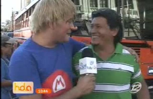 Los Hermanos Morales hacen reír en pleno centro de San Salvador