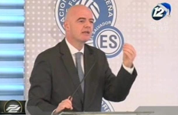 Presidente de la FIFA visita por primera vez El Salvador