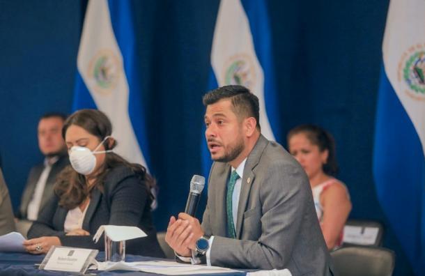 Gabinete especial de crisis anuncia medidas económicas por el COVID-19