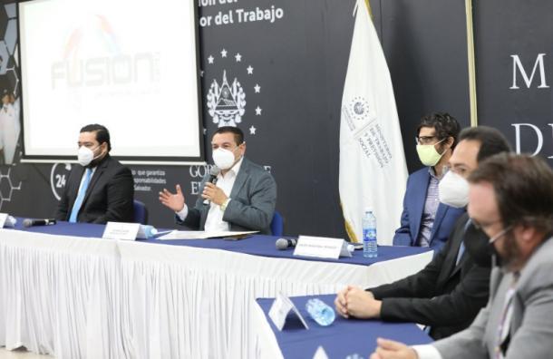 Miles de trabajadores recuperaron sus empleos en El Salvador