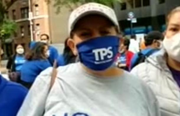 Salvadoreños preocupados ante posible cancelación del TPS